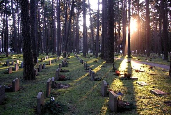 台湾殡葬资讯网-瑞典森林公墓【库格林地公墓()